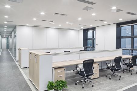 Die Verwendung von Einbaustrahlern als Bürobeleuchtung