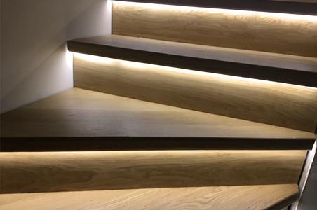 Streifen als LED-Treppenbeleuchtung